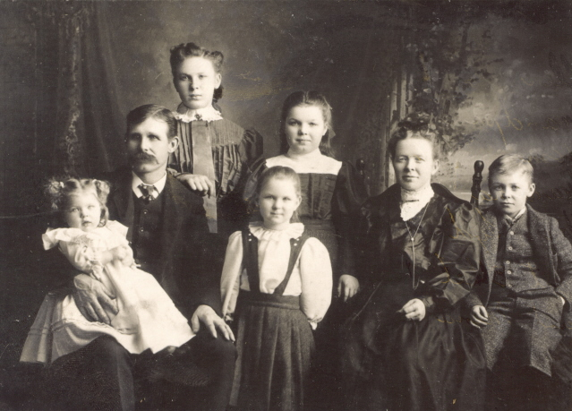 1905 William & Ellen Bullis Family