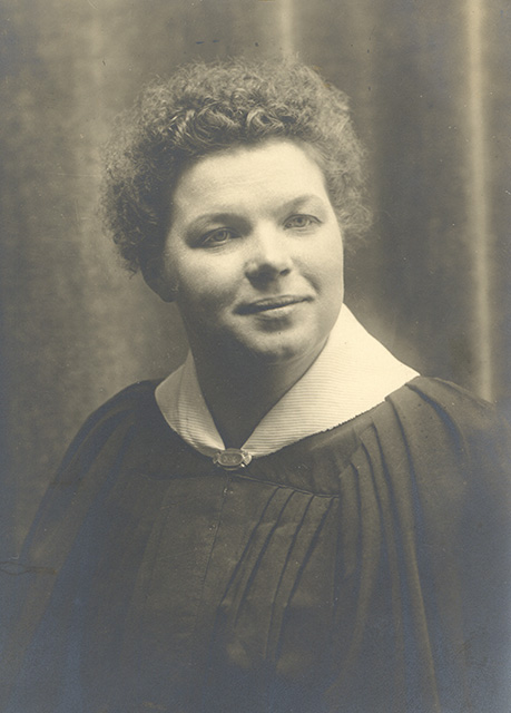 graduate Williamena Thompson Bullis