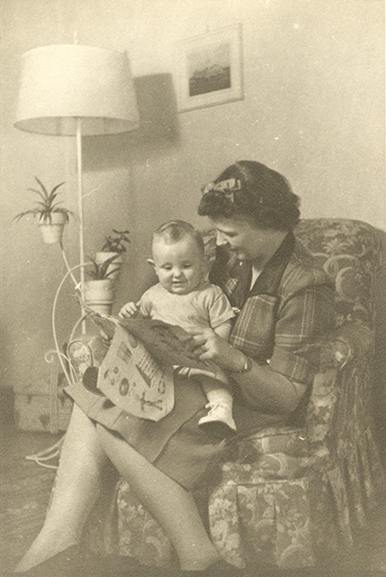 c1943 Gie Harding with son Ricky